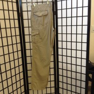 Roundtree and Yorke khaki cargo pants